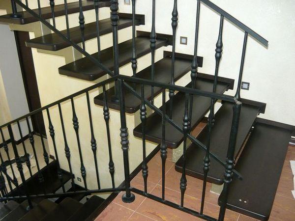 Метални стълби по поръчка в Курск, метална стълба до втория етаж, цена, снимка