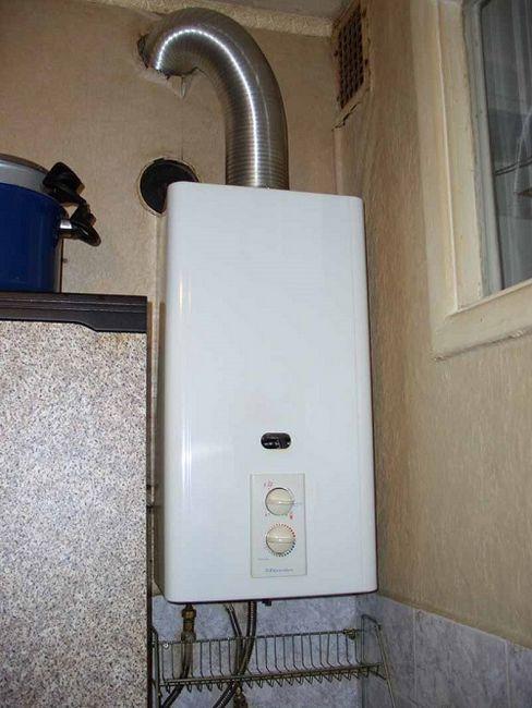 Инсталиране на газов бойлер в апартамент и частна къща